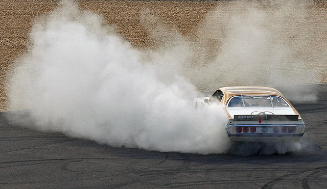 Olympia_charger_burn_out_nurburgrin